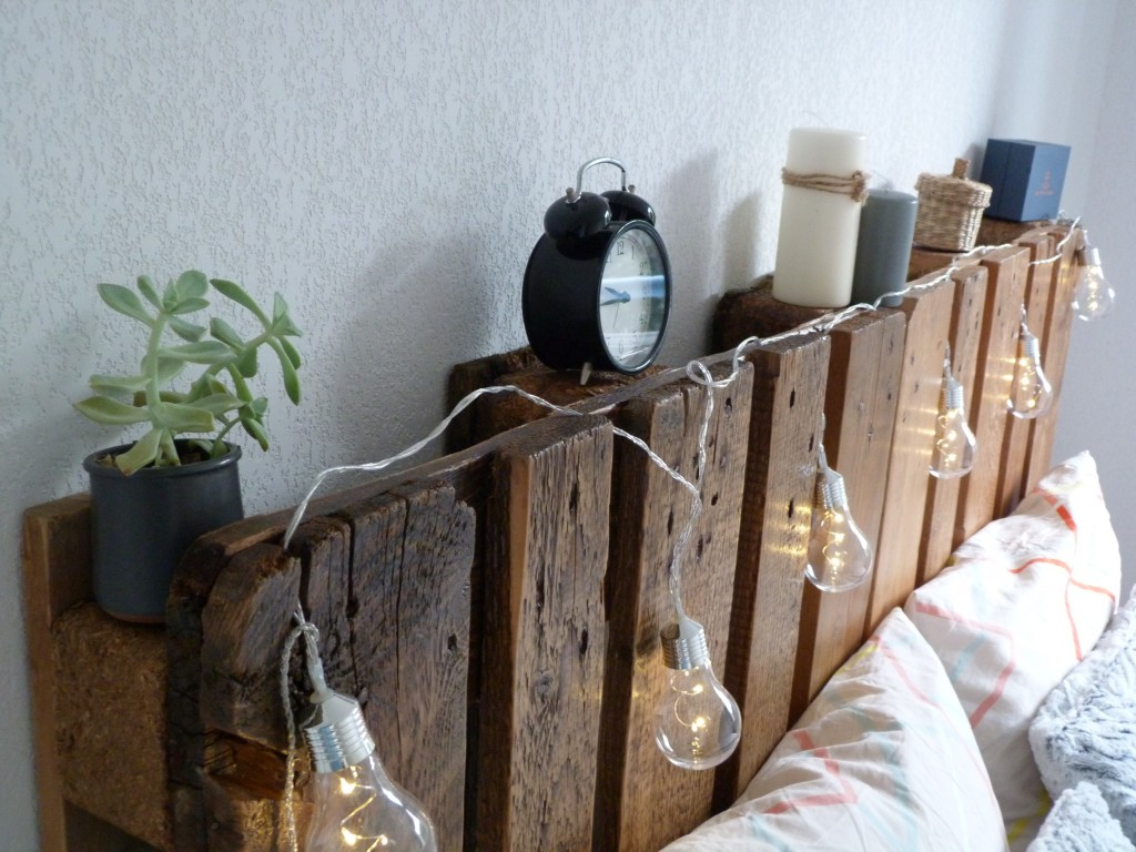 faire une t te de lit avec des palettes con fession. Black Bedroom Furniture Sets. Home Design Ideas