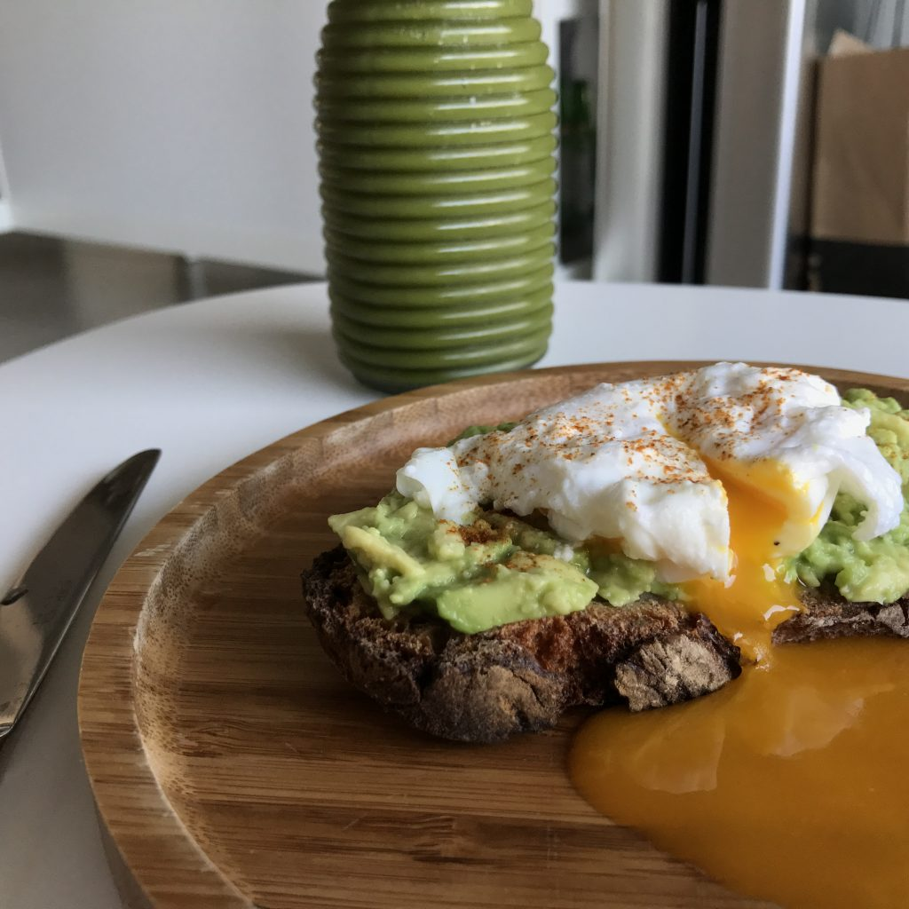recette avotoast avocado toast tartine breakfast petit déjeuner delicious green smoothie